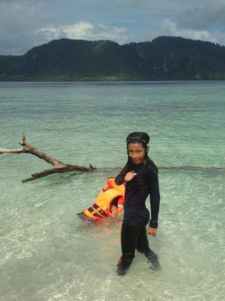 Day Trip to  Mantabuan Island, Semporna, Sabah. Photo by Laili Basir