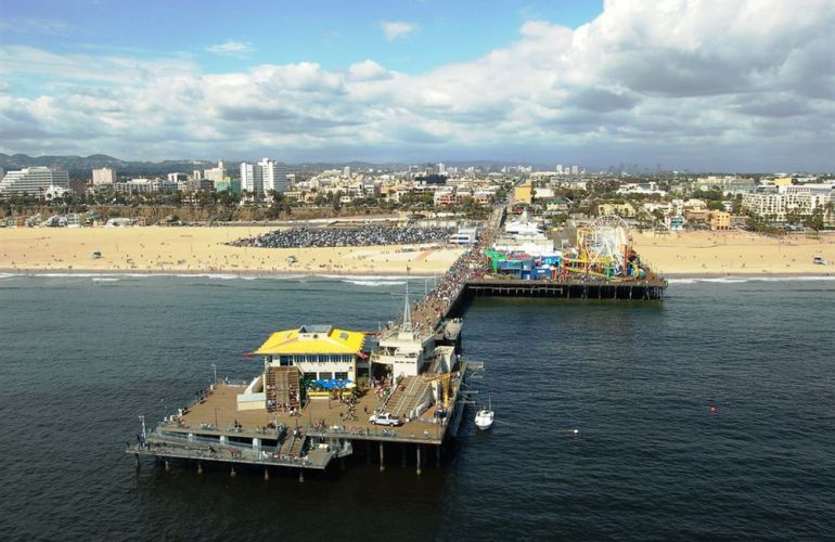 Santa Monica— Helicopter Tour & Dinner at Typhoon! The Ultimate Fantasy Package