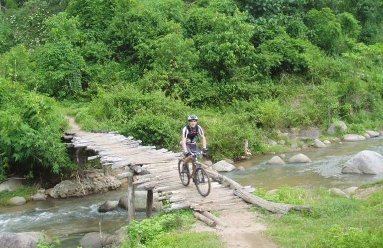 A Cultural Exploration Into the Heart of North Thailand by Bike
