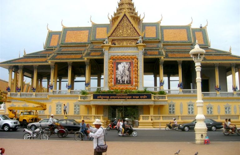 Discover Cambodia on a Shoestring from Bangkok to Ho Chi Minh City
