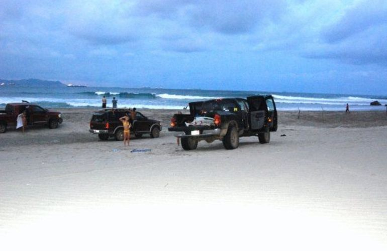 Surf in Salina Cruz (Mainland), Mexico - 7 Nights for 3 Surfers (shared tour/ private triple room)