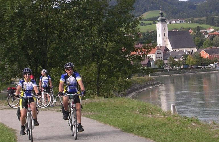 8 Days Exploring Passau to Vienna - Danube Cycle(Self guided)