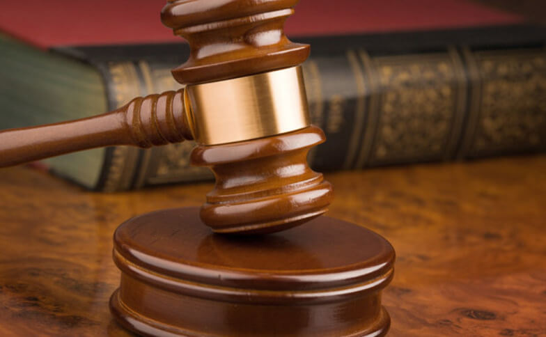DEFESAS PROCESSUAIS EM EXECUÇÕES DE TÍTULOS JUDICIAIS