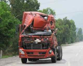 accident truck on highway china