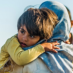 Help families fleeing war in the Syria region