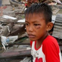 Keräys Taifuuni Hayanin uhreille