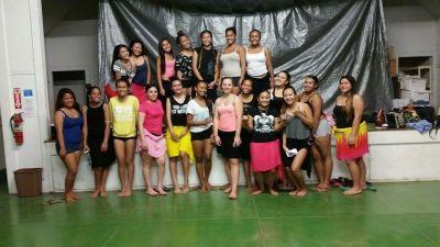tahitian hula dancers