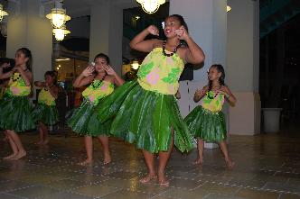 lovely-hula-hands-Akala-Dance-Studio