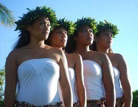 Hula-Dancers-1