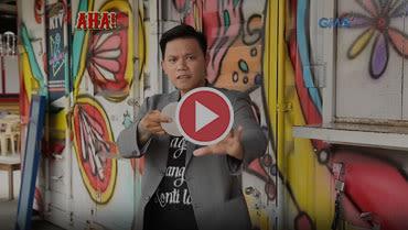 AHA!: Street magician Geffrey delos Reyes shows off his magic tricks!