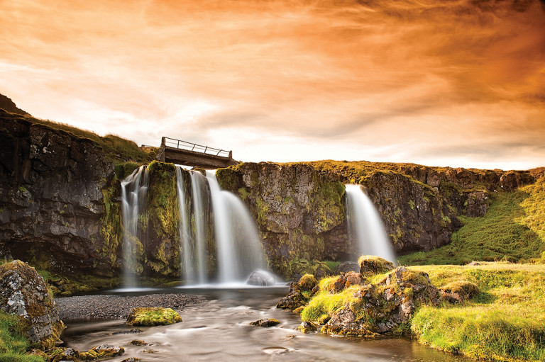 Cascata Di Kirkjufellsfoss