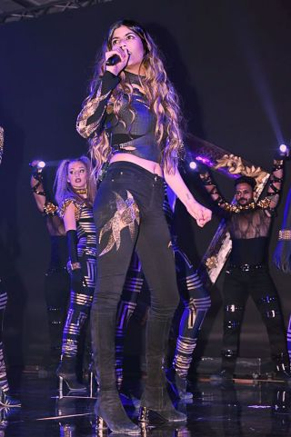 Ananya performs at Hello! Hall of Fame Awards 2018