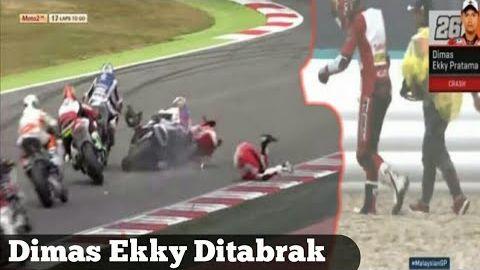 Detik-Detik Dimas Ekky Jatuh Pada Race - Moto2