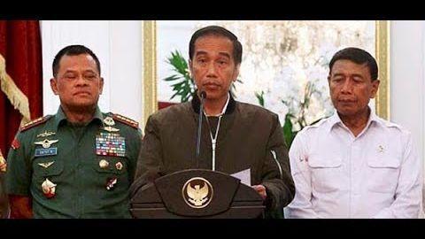 Siapa Dusta? Panglima TNI & WIranto Beda Suara Terkait Pembelian 5.000 Senjata