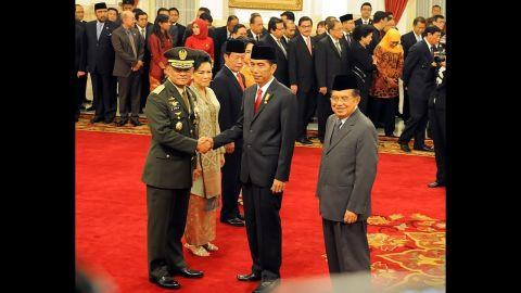Gatot Didesak Mundur, JK Menyerahkan ke Presiden, Bagaimana dengan Jokowi?
