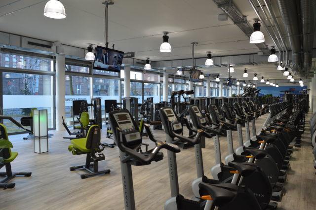 pier 1 fitness studio duisburg. Black Bedroom Furniture Sets. Home Design Ideas