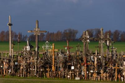 Hora křížů - https://www.flickr.com/photos/freefoto/10802300915