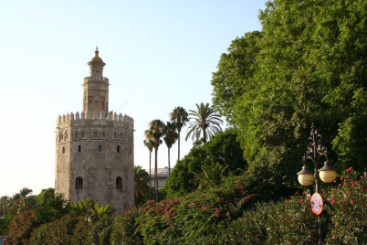 Torre del Oro (Sevilla) - https://www.flickr.com/photos/43161276@N07/6008230532/