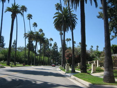 Beverly Hills - http://commons.wikimedia.org/wiki/File:Beverly_Hills11.JPG