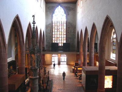Historické muzeum - http://commons.wikimedia.org/wiki/File:Basel_Barf%C3%BCsserkirche_Inneres_11-05-2008.jpg