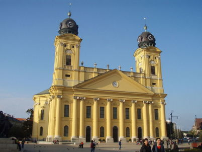 Velký kostel - http://commons.wikimedia.org/wiki/File:Debreceni_reform%C3%A1tus_nagytemplom.jpg