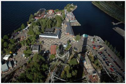 Zábavní park Särkänniemi - https://www.flickr.com/photos/jackal/195984632/