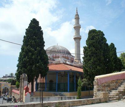 Sulejmanova mešita - https://commons.wikimedia.org/wiki/File:Sulejmanova_me%C5%A1ita,_m%C4%9Bsto_Rhodos.jpg?uselang=cs