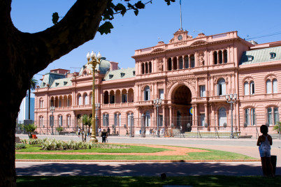 casa rosada - https://www.flickr.com/photos/tcp909/12143597975