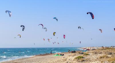 Milos Beach - https://www.flickr.com/photos/alessandro_tortora/8561996634