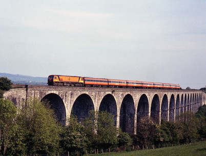 Craigmorský viadukt - http://www.geograph.ie/photo/3607767