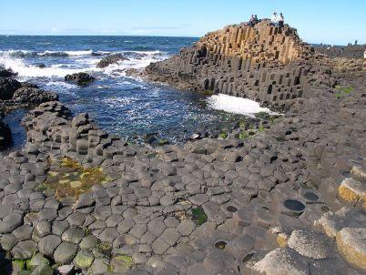 Giant's Causeway v Severním Irsku - http://en.wikipedia.org/wiki/File:Causeway-code_poet-4.jpg
