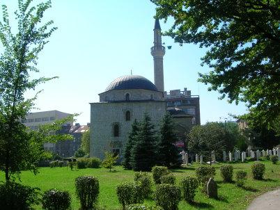 Mešita Aliho Pashi - http://commons.wikimedia.org/wiki/File:Alipasina_dzamija.jpg