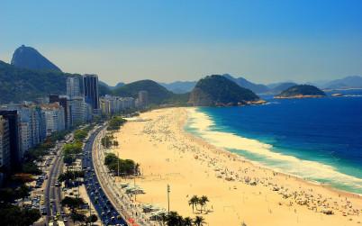 Pláž Copacabana - https://www.flickr.com/photos/74434277@N06/8136102013
