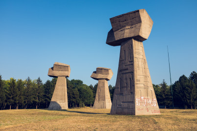 Pamětní park Bubanj - https://www.flickr.com/photos/sicolan/12329079623/