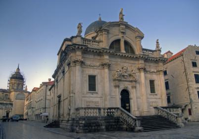 Kostel sv. Blažeje, patrona Dubrovníku. - https://www.flickr.com/photos/39997856@N03/4890044821/in/photolist-8s7KXB-ox8gYY-7AFSBX-dQCnFQ-9XdesM-wmGvyi-wASxsw-8saNo5-8saPMf-wCusFA-wmzmxL-wCuqUE-7AkmvB-34zUvp-4CaKZ4-oPqGWP-oMAaRA-oMoHvm-owW3Qn-owWaaX-owVSt1-oPm9oB-oPBVhD-oPqqcX-oMoH4E-owW8C8-9zdhUy-7Ap7oN-5chGUA-8bz3je-9i7EqN-eKCo39-9Xg7p1-aws9w9-3fNGqy