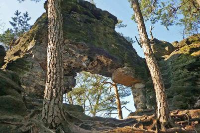 Malá pravčická brána - https://commons.wikimedia.org/wiki/File:Hohenleipa-KlPrebischtor4.jpg
