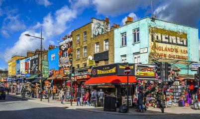 Camden High Street - https://commons.wikimedia.org/wiki/File:Camden_Town_Streetcorner_--_2015_--_London,_UK.jpg