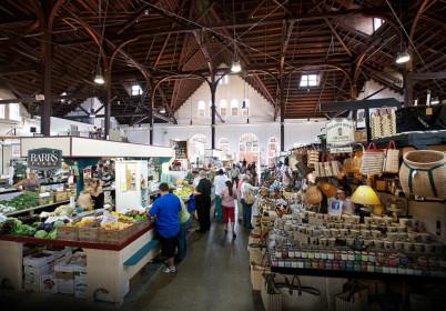 Farmářské trhy v Lancasteru - https://www.flickr.com/photos/usdagov/9459742316/