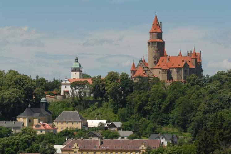 Výhled na hrad Bouzov