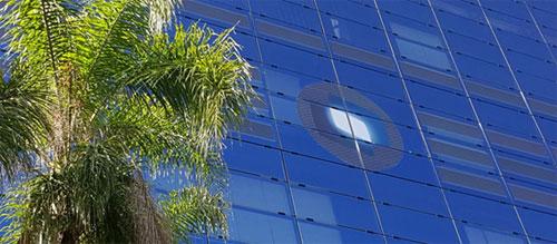 Nova sede da TOTVS possui a maior fachada do mundo com OPV laminado em vidro