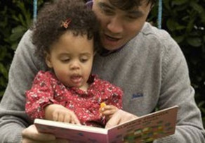Tips for sharing books with children under 4