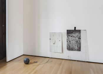 Ian Kiaer Endnote Ledoux (black), 2016 Paper, plexiglass and rubber