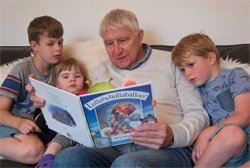 Nick Butterworth: why reading with your child is a 'win-win'