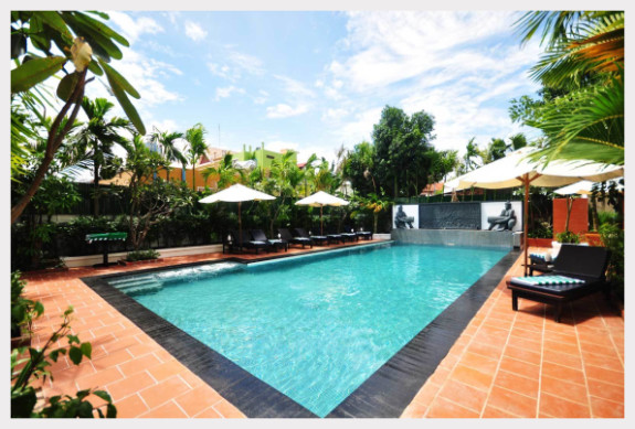 The pool area at Motherhome Guest House Siem Reap