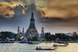 Temple of the Dawn – Wat Arun – Bangkok, Thailand
