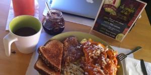 Desayunando en Bistro Lo Natural