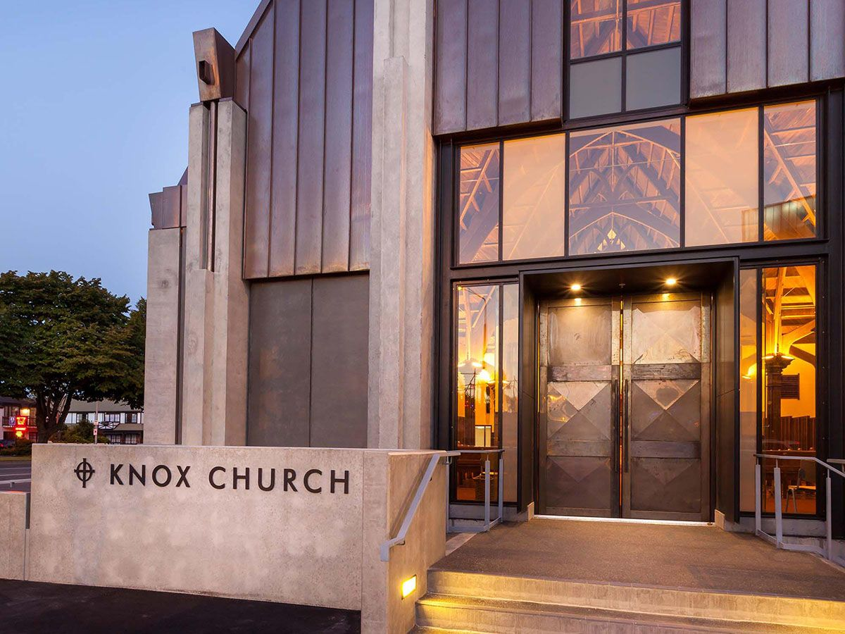 Knox Church, entry