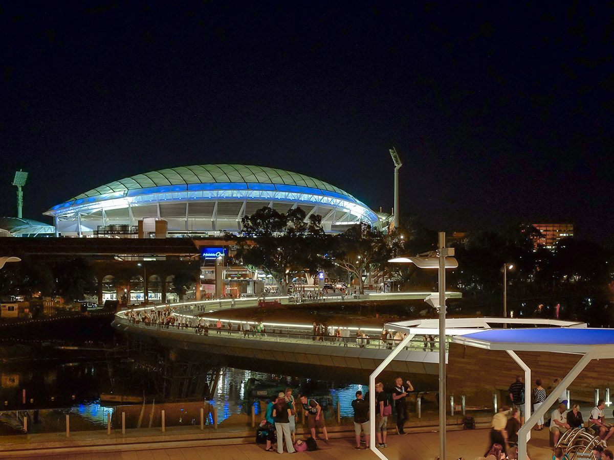 River Torrens Riverbank Footbridge, Stadium