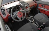 2013 Kia Soul - steering wheel and instrument panel.jpg