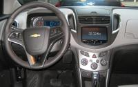 2013 Chevrolet Trax - steering wheel & instrument panel.JPG
